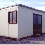 建物の室内外にも施工できる、組立式パネルハウス(断熱タイプも有り)  縦x横900スパンで伸ばせます。